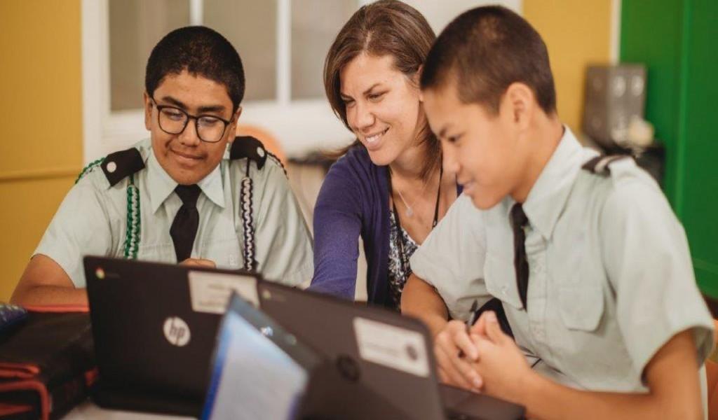 圣凯瑟琳军校 - St. Catherine's Academy | FindingSchool