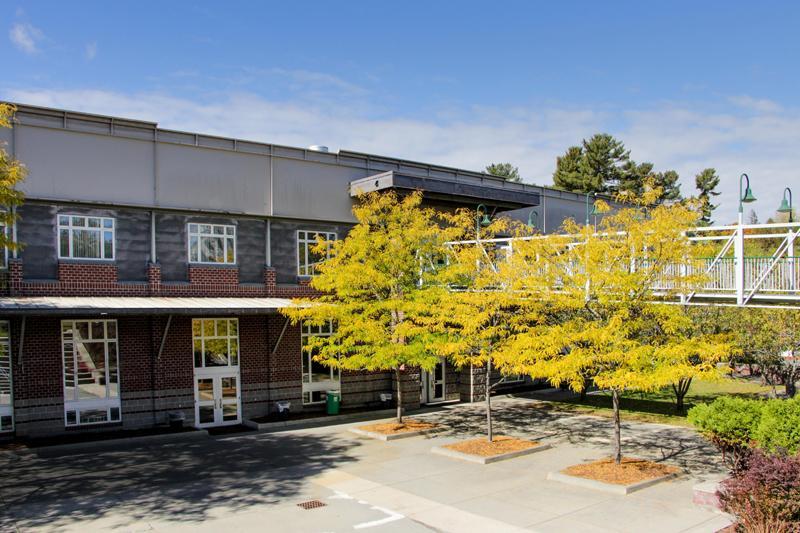圣约翰斯伯利学院