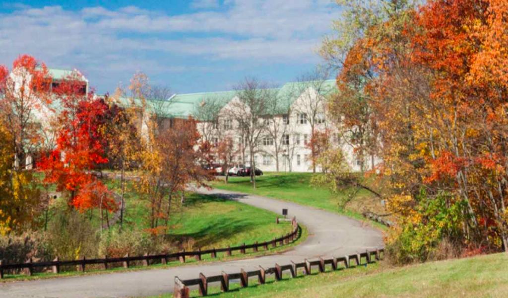 EF Academy海外寄宿高中 - 纽约校区 - EF Academy - New York | FindingSchool