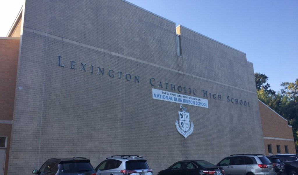 列克星敦天主教高中 - Lexington Catholic High School | FindingSchool
