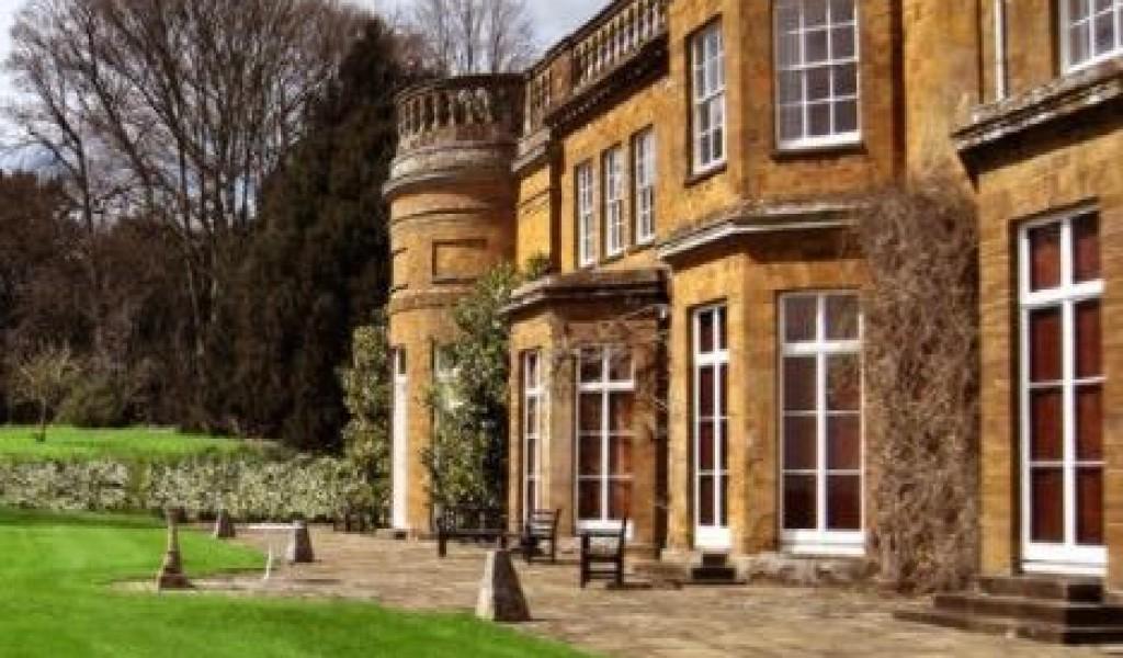 都铎霍尔学校学校 - Tudor Hall School | FindingSchool