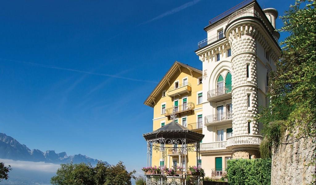 蒙特勒女子寄宿学校 - Surval Montreux | FindingSchool