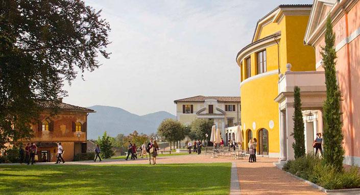 瑞士美国学校