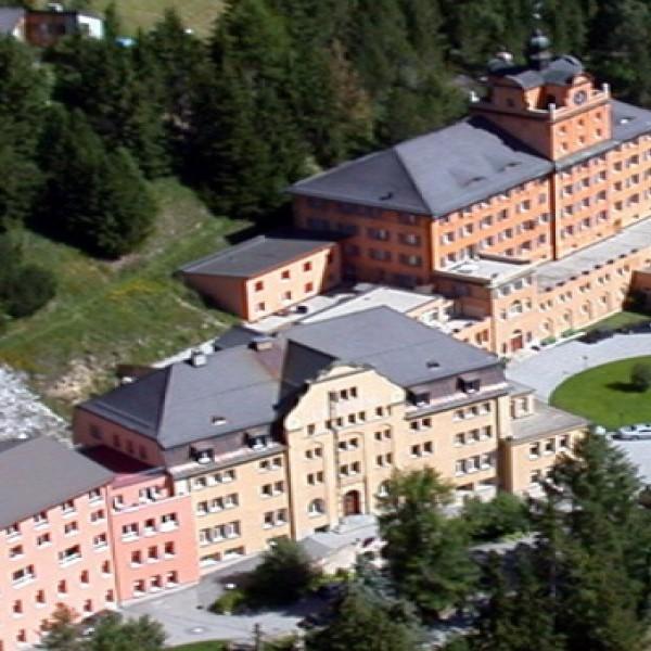 阿爾卑斯山卓士國際學校