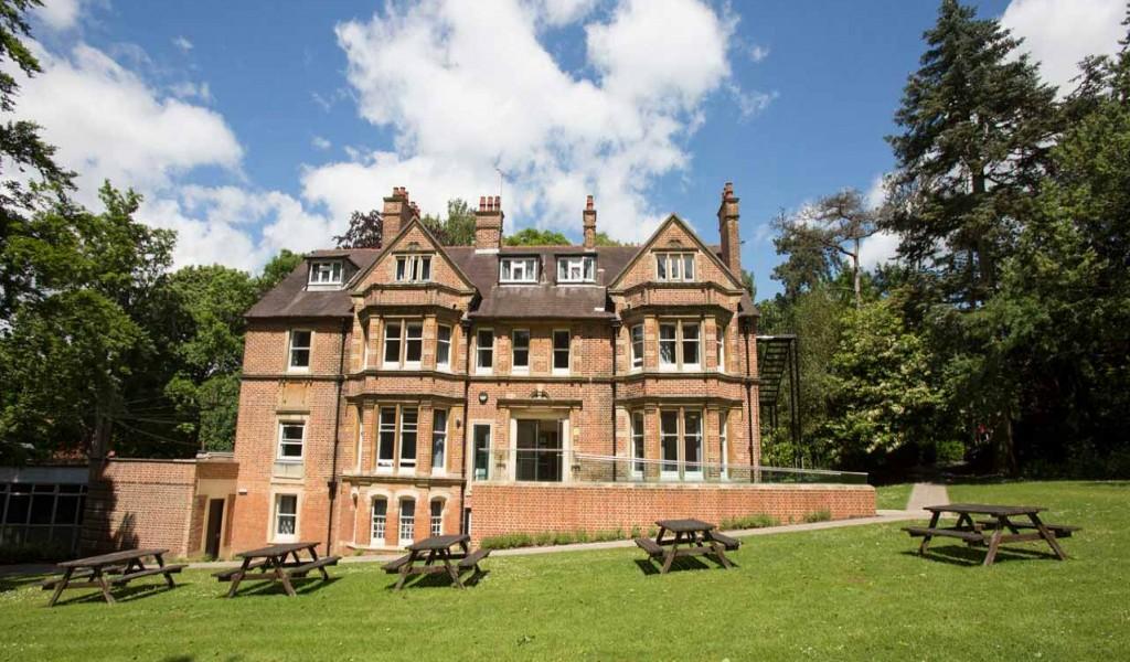 英孚海外寄宿高中牛津校区 - EF Academy Oxford | FindingSchool