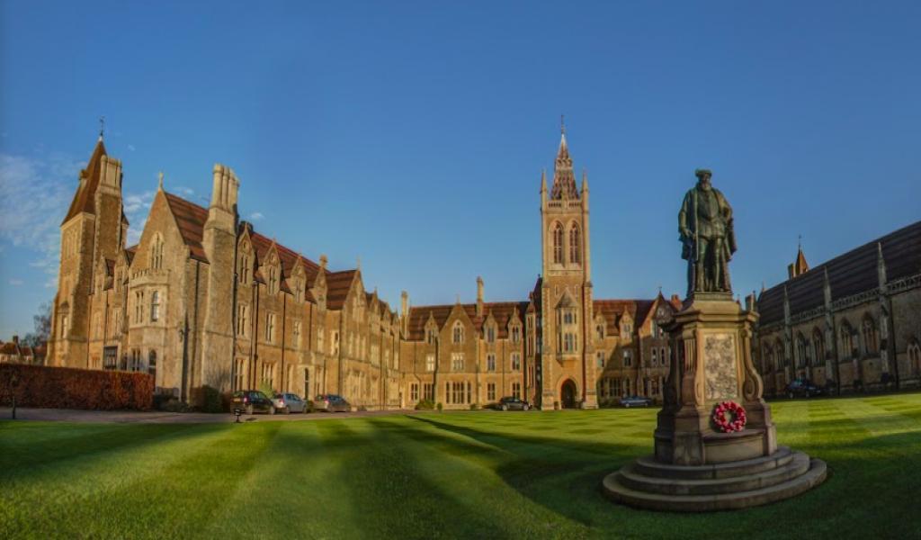 查特豪斯公学 - Charterhouse School | FindingSchool