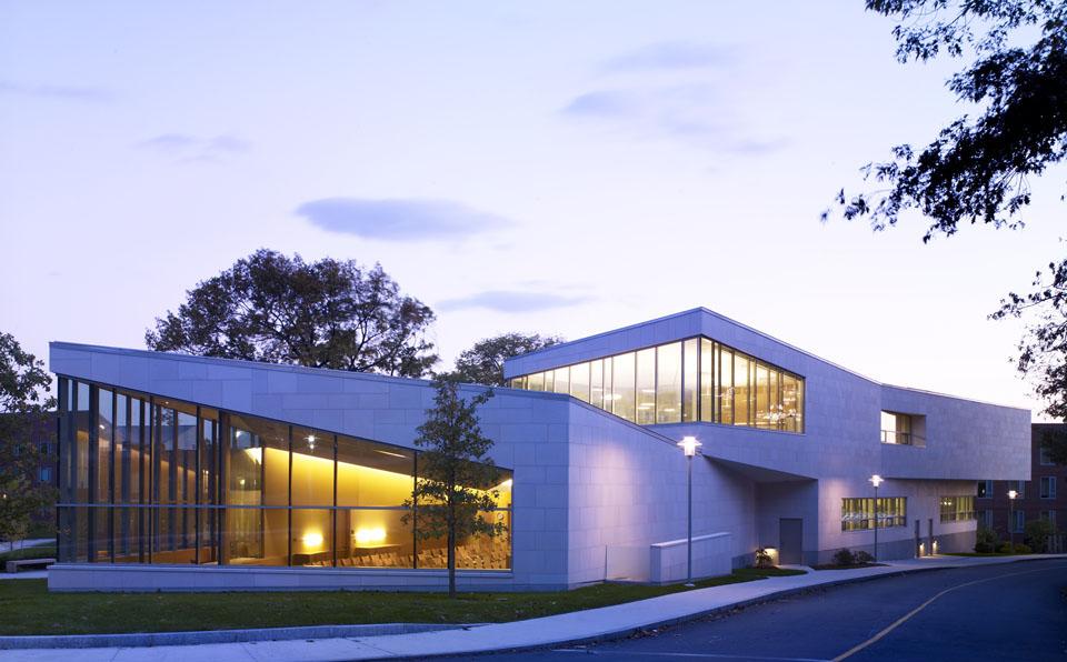 布兰戴斯大学 - Brandeis University at Night - Brandeis University
