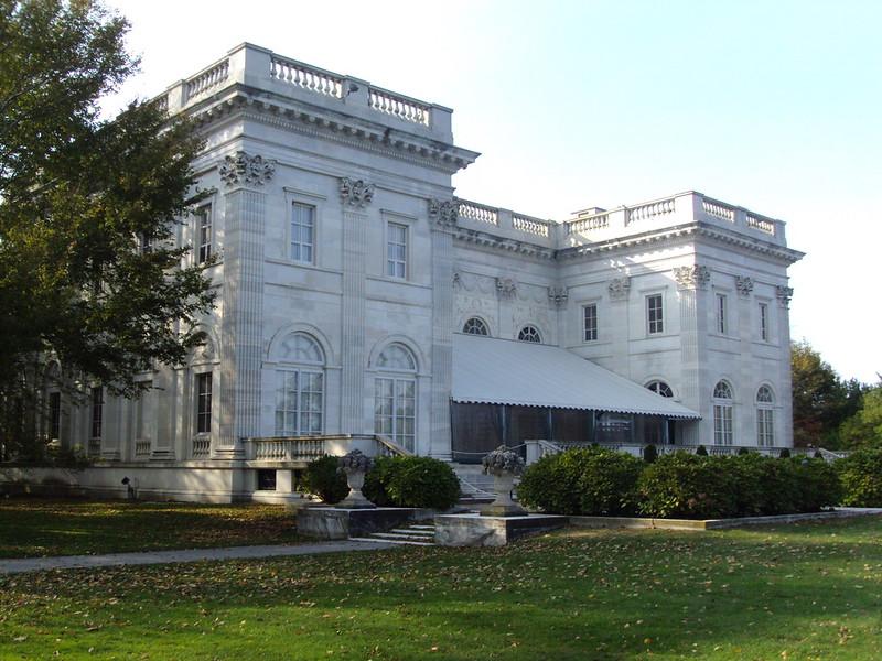 范德比尔特大学 - Backside of the Vanderbilt house called the Marbles at Newport Rhode Island. - Vanderbilt University