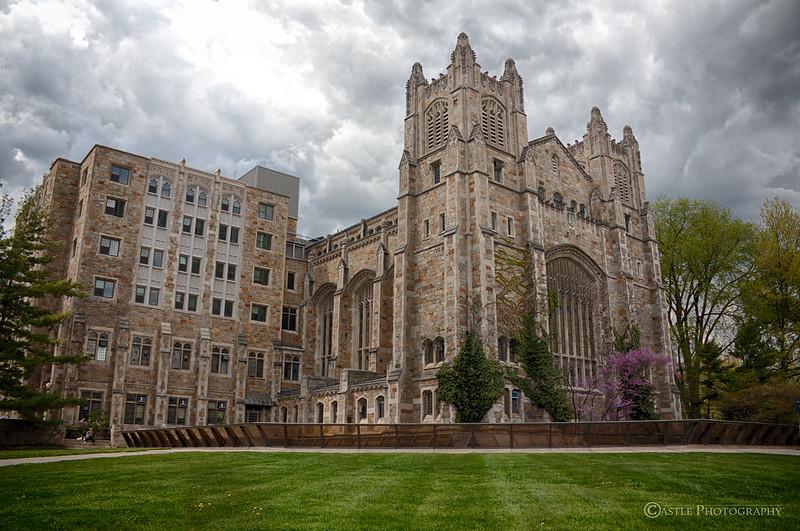 密歇根大学安娜堡分校 - U of M Law School Cloudy Spring Day on Campus - University of Michigan