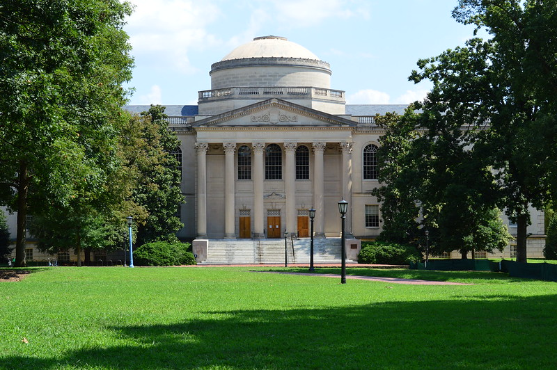北卡罗来纳州大学教堂山分校 - Louis Round Wilson Library - University of North Carolina at Chapel Hill